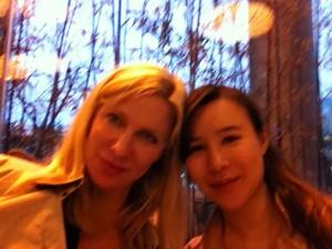 Jag och min duktiga kollega, översättare och vän Gillian från Kina.